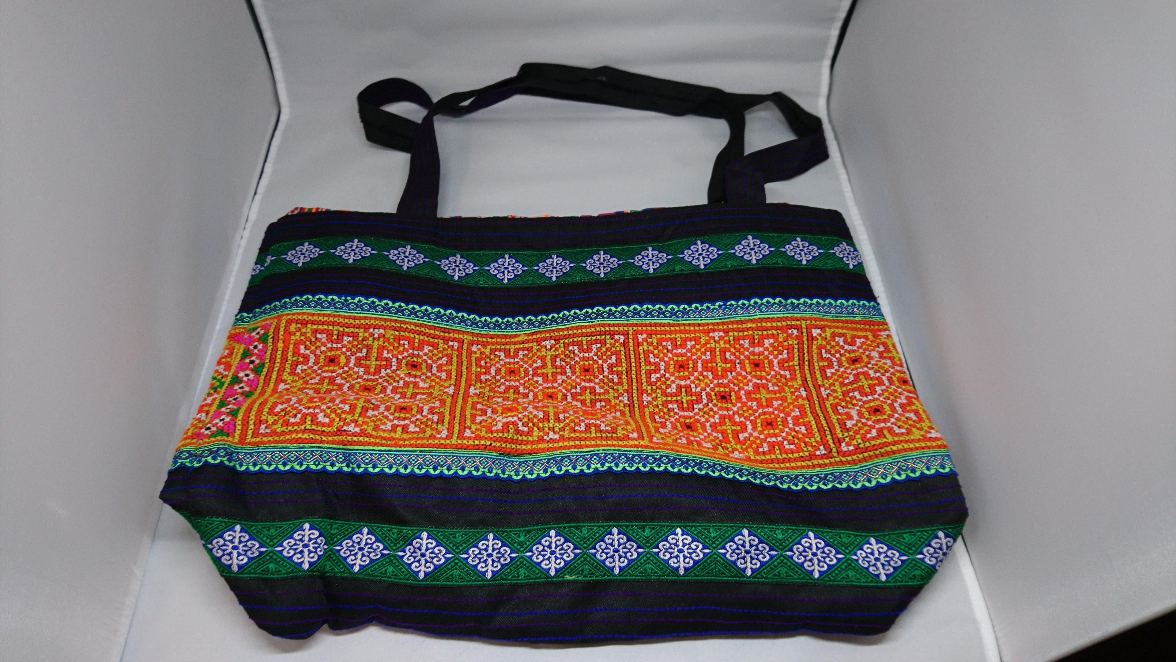 モン族手刺繍バッグ A
