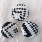 タイ族伝統浮き織り生地 くるみボタン